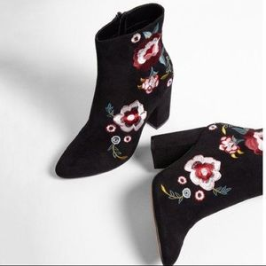 Express NWOT black embroidered booties